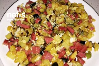 Patatesli Salamlı Yumurta (Tam Kahvaltılık) Tarifi