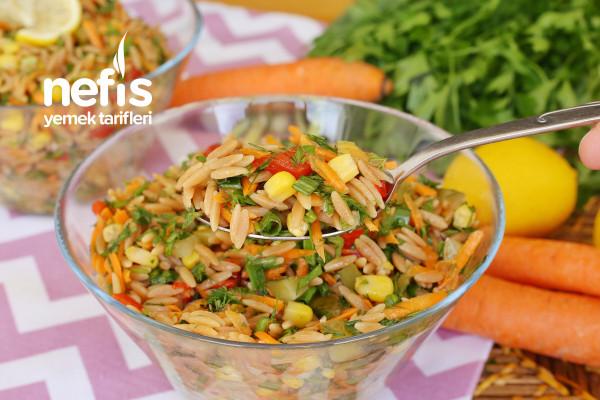 Yedikçe Yedirten Arpa Şehriye Salatası Tarifi (videolu)