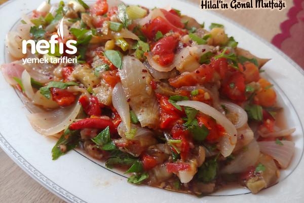 Fırında Közlenmiş Patlıcan Salatası (Diyet Yapanlar İçin Efsane Bir Tarif)