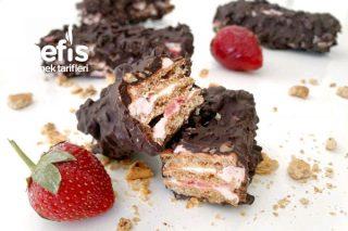 Çikolatalı Çilekli Gofret Tarifi