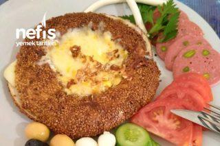 Simit Tost Göbeğinde Kaşarlı Yumurta Tarifi