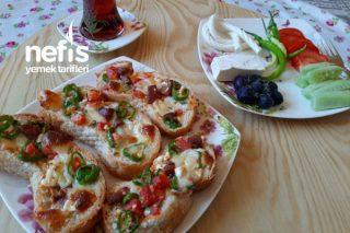 Kahvaltılık Çıtır Ekmek Pizza Tarifi