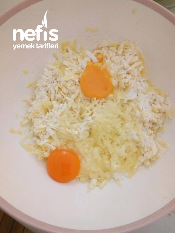 3 Patates 2 Yumurta İle Börek Tadında Muhteşem Kahvaltılık Tarifi