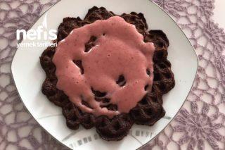 Çilek Kremalı Yumurtasız Kakaolu Waffle (Fit) Tarifi