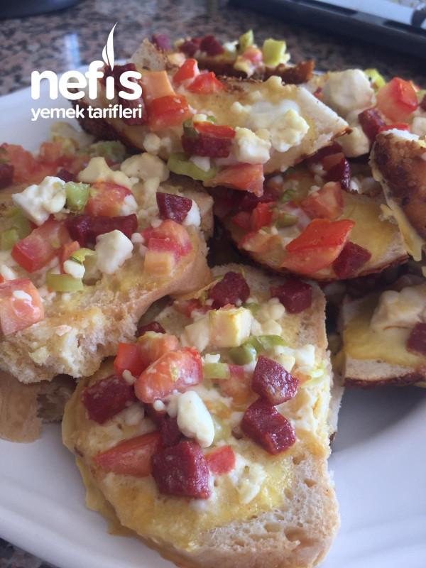Kanepe (Bayat Ekmek Pizzası)