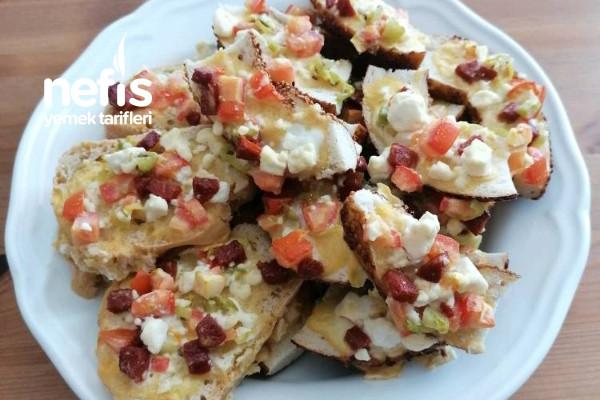 Kanepe (Bayat Ekmek Pizzası) Tarifi