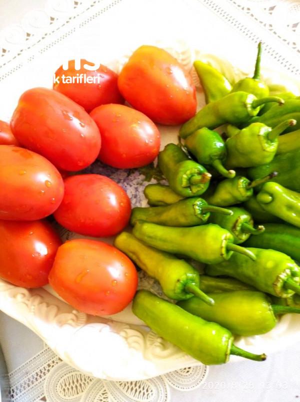 Köz Patlıcan Ve Köz Biberli Kışlık Sos