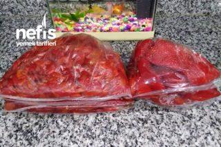 Salatalar İçin Kırmızı Közlenmiş Biber Tarifi