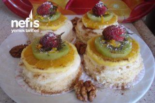 Teremyağlı Keşküllü Muhallebili Meyveli Minik Pastacıklar Tarifi