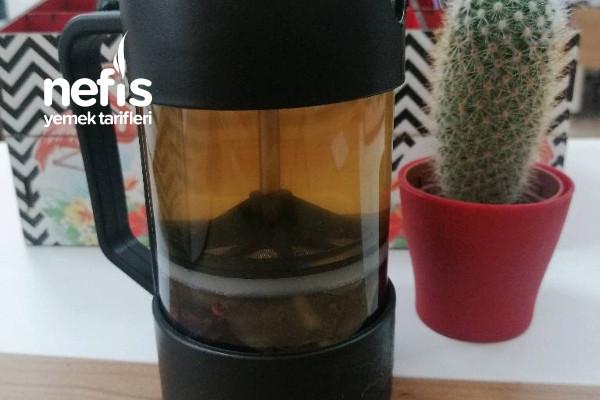 Ödem Atan Mucizevi Çay (4 Malzeme İle) Tarifi