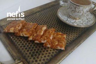 Kahve Ve Çayın Yanında 5 Dakika (Krokan Fındık Ve Susamlı) Tarifi