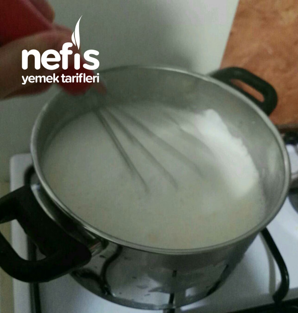 Süzme Tuzlu Yoğurt Çorbası