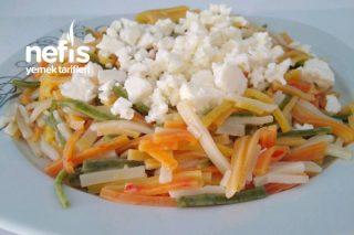 Peynirli Sebzeli Renkli Erişte Tarifi