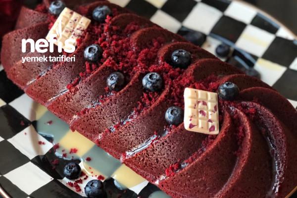 Beyaz Çikolatalı Kırmızı Kadife Kek