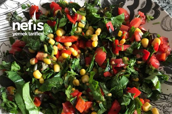 Renkli Karışık Salata Tarifi