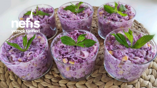 Kaşık Kaşık Yediren Mor Lahanalı Makarna Salatası (Videolu)