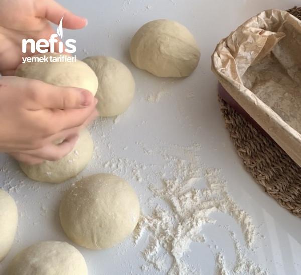 Kek Kalıbında Mısır Unlu Ekmek