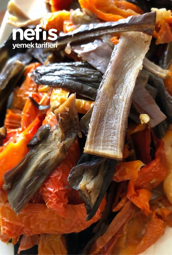 Kuru Patlıcan Ve Biber Kavurma