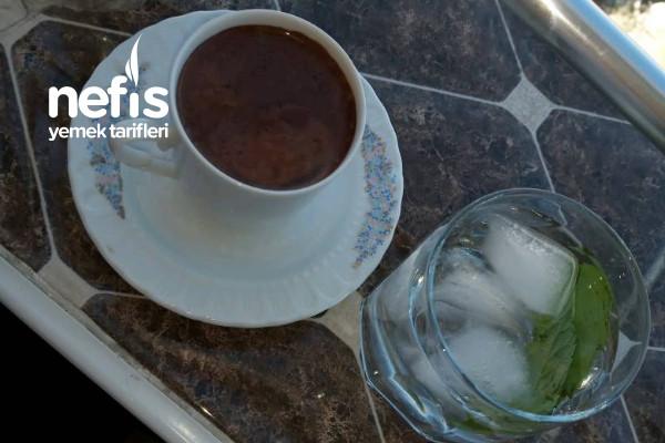 Bol Köpüklü Çikolata Soslu Dibek Kahvesi Tarifi