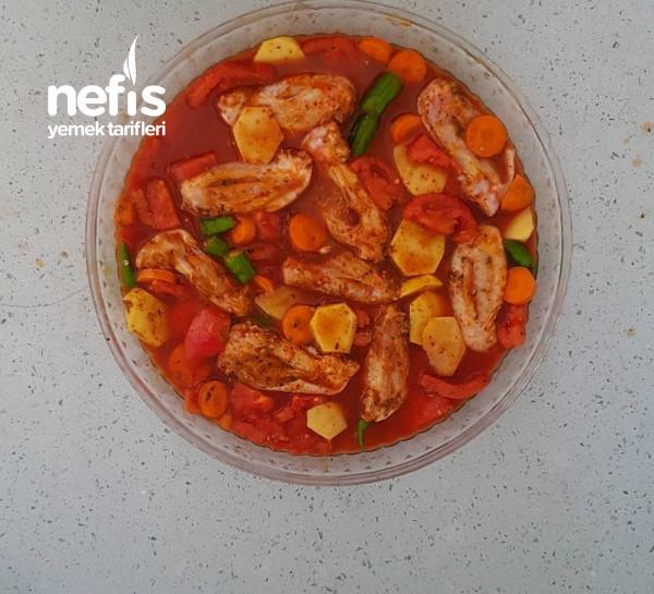Fırında Sebzeli Tavuk Kanat (Videolu)