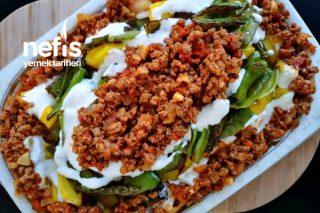 Kıyma ve Yoğurt Soslu Fırında Patates Tarifi