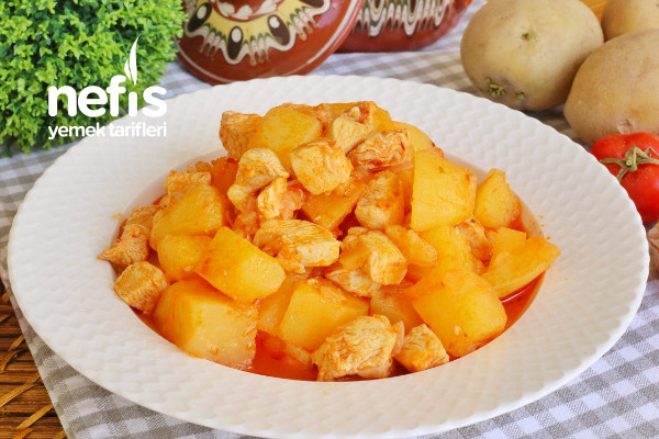 Yapımı Çok Kolay Sulu Tencere Yemeği – Tavuklu Patates (videolu) Tarifi