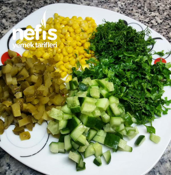Salatalık Lı Buğdaylı Yaz Salatası