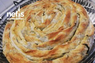 Teremyağlı Ispanaklı Börek Tarifi