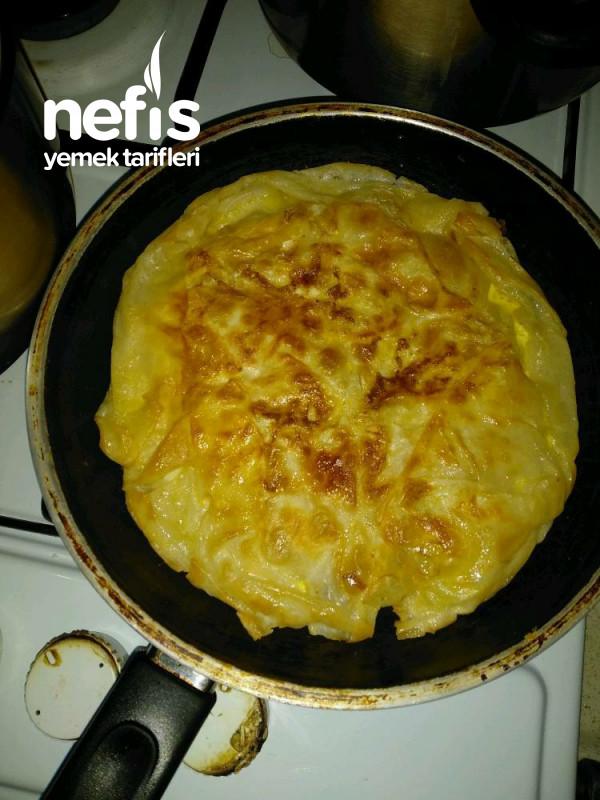 Tavada Közlenmiş Patlıcanlı Börek