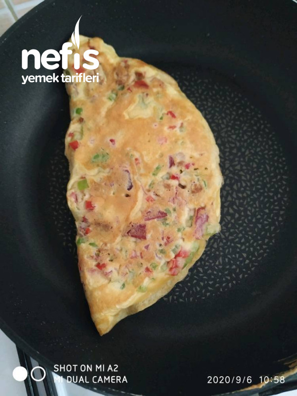 Börek Tadında Sebzeli Omlet