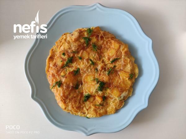 Kahvaltıya Patatesli Omlet
