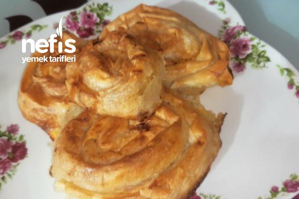 Soslu Gül Böreği (Dışı Çıtır Çıtır İçi Yumuşacık Bu Lezzete Bayılacaksınız) Tarifi