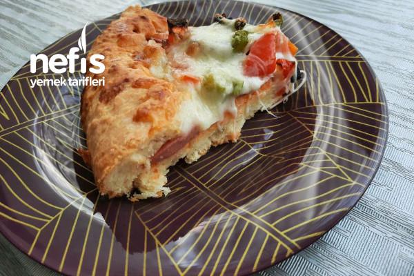 Mayasız Hamurdan Ağız Sulandıran Pizza Tarifi