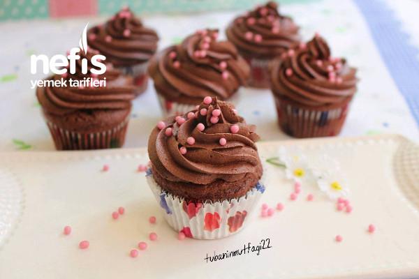 Kolay Çikolatalı Muffin Tarifi (Videolu)