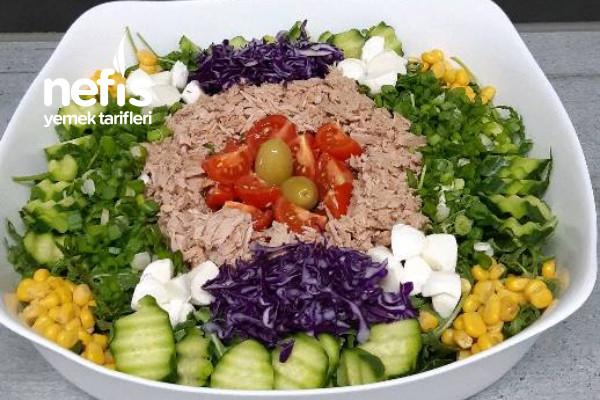 1001 Çesit Ton Balıklı Salata Tarifi