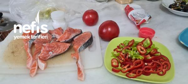 Güveçte Karidesli Somon Balığı