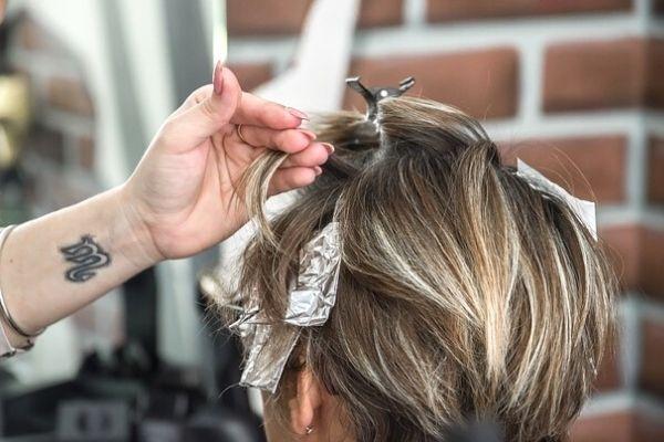 saç boyatmak