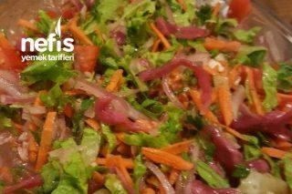 Farklı Sosuyla Salata Kralı Tarifi