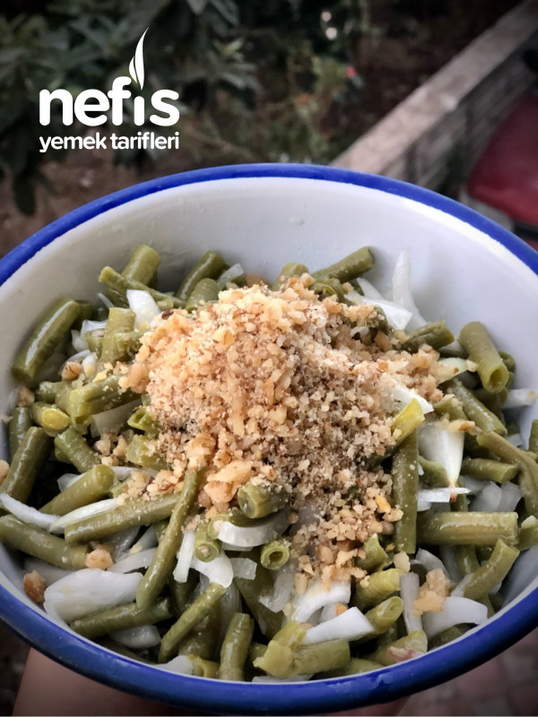 Cevizli Urgan Fasulye Salatası (Antalya)
