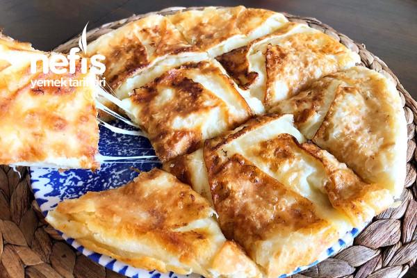 Dakikalar İçinde Hazırlayın Övgüleri Toplayın! Pratik Tava Böreği Tarifi(Videolu)