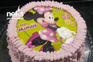 Minnie Mouseli Yaş Pasta Tarifi