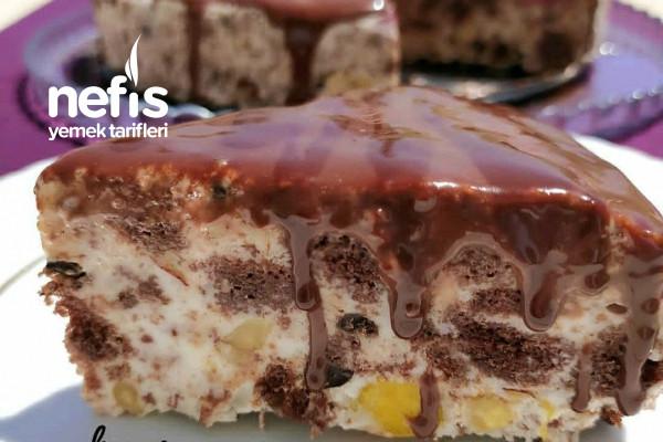 5 Dakikada Çikolatalı Parfe Tarifi