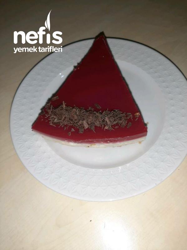 Cheesecake Görünümlü Frambuazlı İrmik Tatlısı
