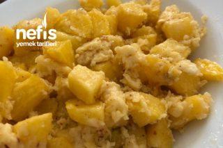Kahvaltıya Nefis Yumurtalı Kaşarlı Patates Tarifi