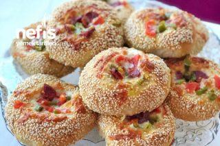 Pizza Poğaça (Yumuşacık Pizza Tadında Çok Seveceksiniz) Tarifi