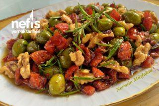 Kuru Domatesli Zeytin Salatası Tarifi