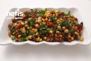 Köz Kırmızı Biberli Salata Tarifi