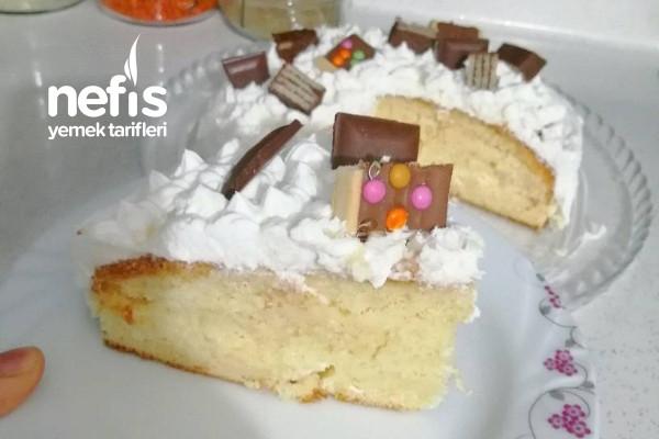 Yaş Pasta (Enfes Pandispanyası İle) Tarifi