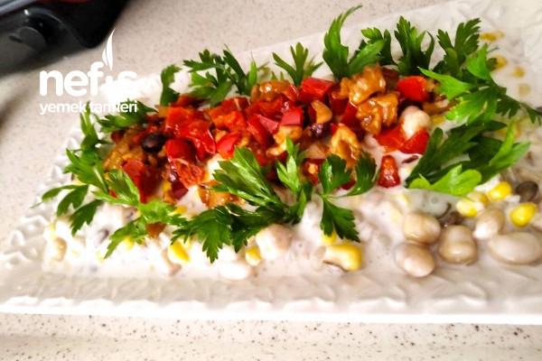 Doyurucu Bakliyat Salatası Tarifi