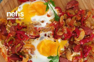 Kahvaltılık Sucuklu Mantarlı Yumurta Tarifi